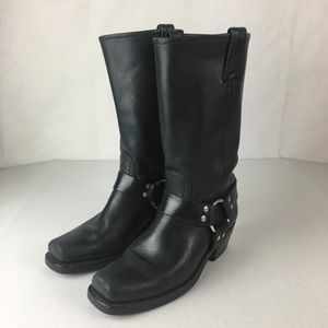 Frye Harness 12R Black leather boots